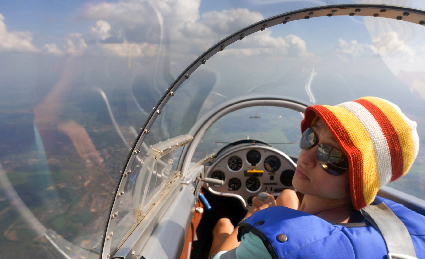 sasha-in-the-sailplane