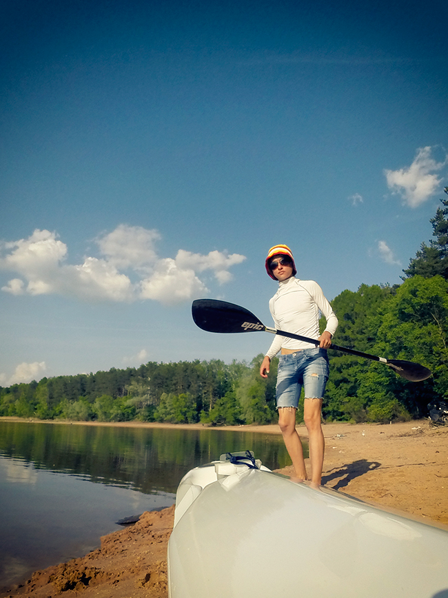 sasha-with-paddle